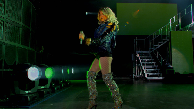 Samsung Smart TV 3D Contents_Black Eyed Peas Paris Concert (5).jpg
